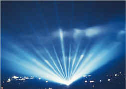 Click here for larger photos of searchlights in use.